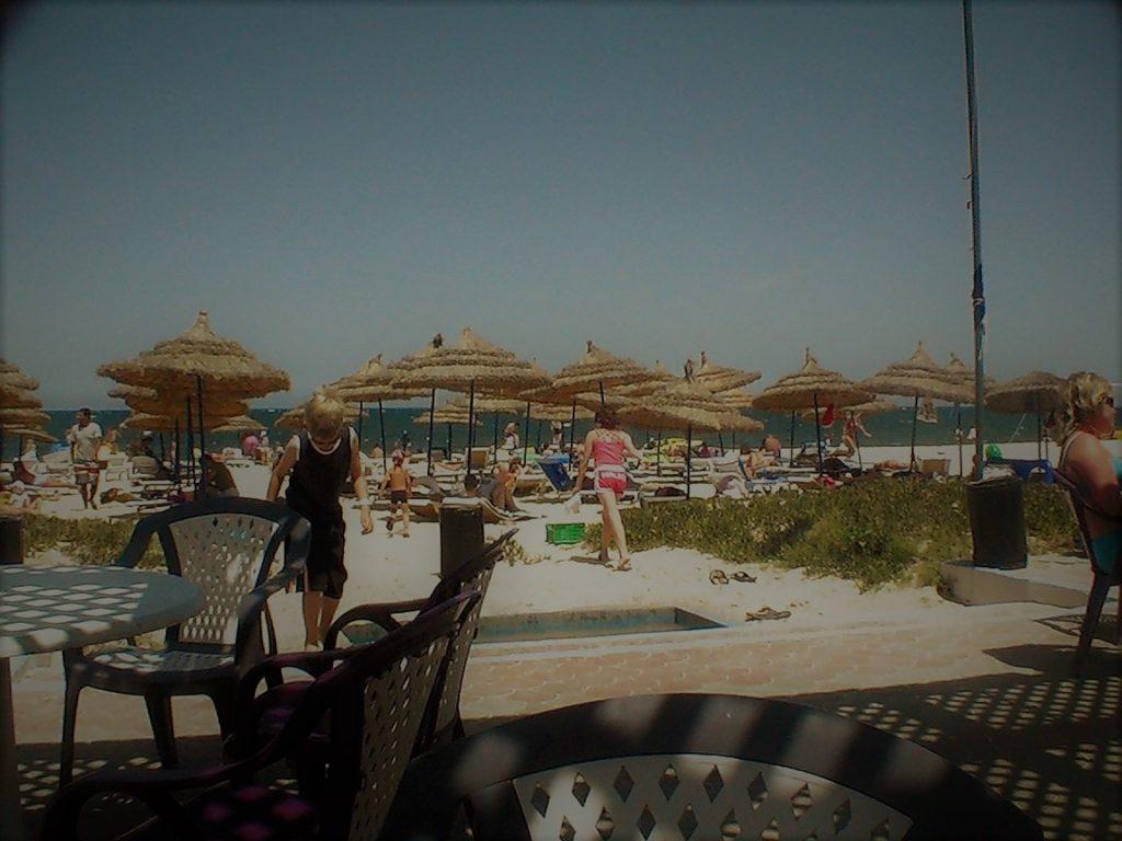 plyazh otelya Tunisa